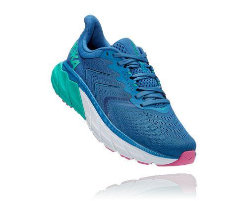 HOKA Women's Arahi 5 Shoes in Vallarta Blue/Atlantis - 1115012-VBAT
