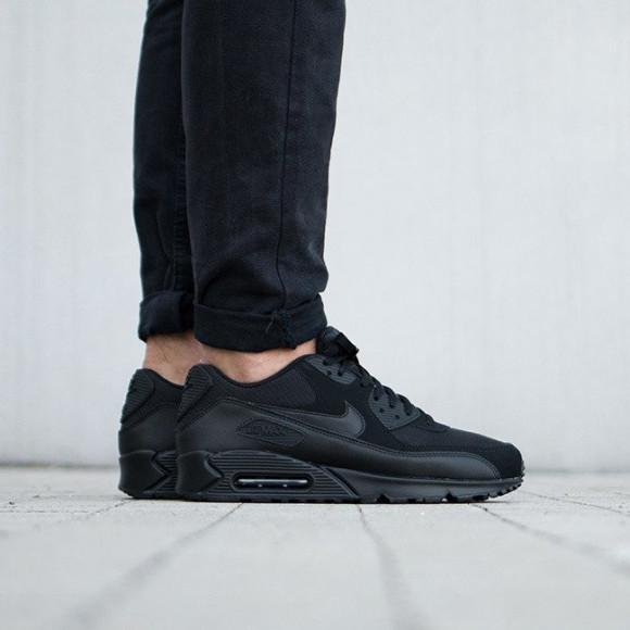 Men's Shoes sneakers Nike Air Max 90 Essential 537384 090
