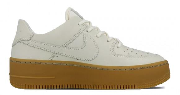 Nike Air Force 1 Sage Low LX Biege Gum