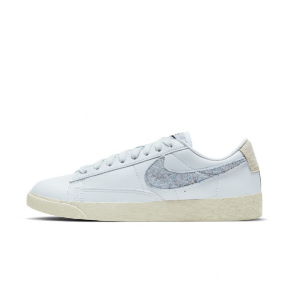 Nike Blazer Low SE Women's Shoe - Blue - DA4934-400