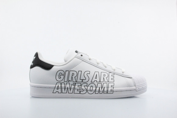 x Girls are awesome Superstar Sneaker - FW0815