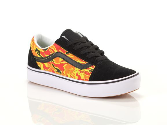 VANS Youth Flame Camo Comfycush Old Skool Shoes (8-14 Years) ((flame Camo) Black/true White) Youth Orange, Size 3 - VN-0A4UHA31O1