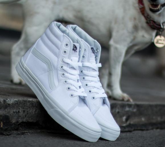 Boys Vans Vans Sk8-Hi - Boys' Grade School Shoe True White/White/White Size 04.0 - VN000D5IW001